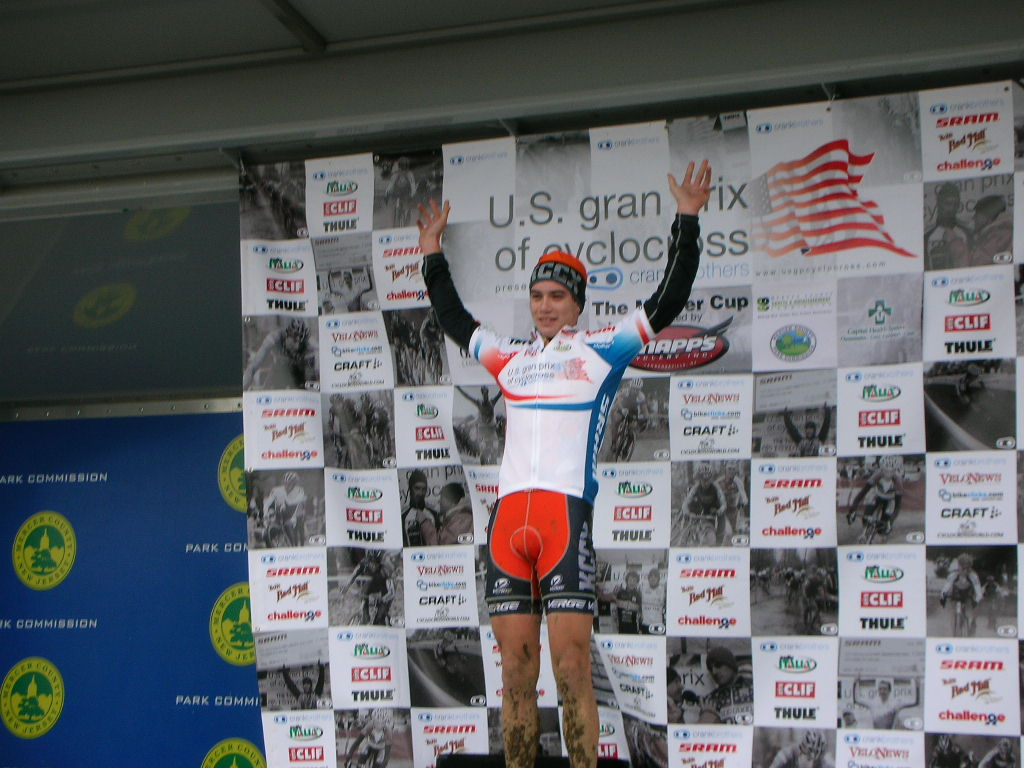 Chris Wallace, awards podium,  leaders jersey.