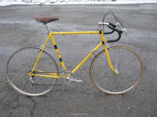 This was pretty much Kris's Motebecane Grand Record.  It was a pretty bike.