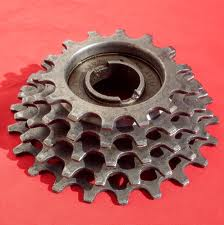This used to be the state of art, a Regina 5 speed freewheel.
