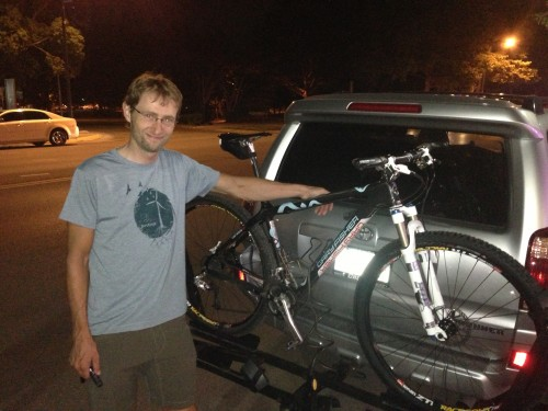 Brian, with his MTB bike all loaded up, ready to head up to Nebraska, until we talked him out of it.  He's gonna thank me for that later.