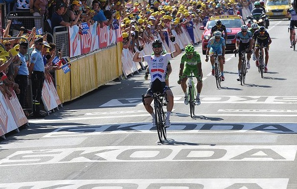Mark Cavendish and his team rode a near picture perfect race.  Leaving Sagan in the front with 400 meters to go was beautiful.  They deserved the victory.