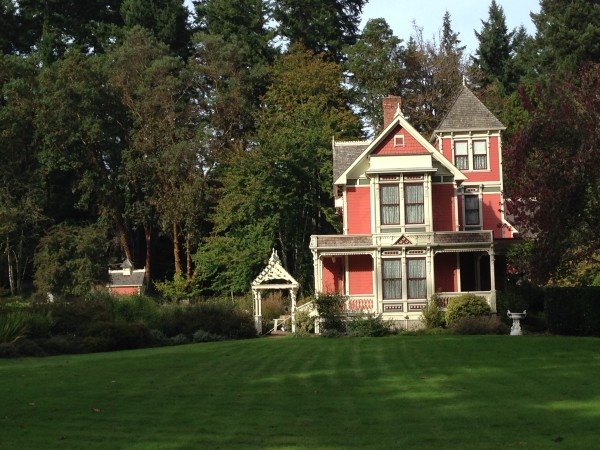 This was a nice looking house on Bainbridge.  Being victorian, it is unusual.  Most the houses seem like they should be in Maine, not Seattle.