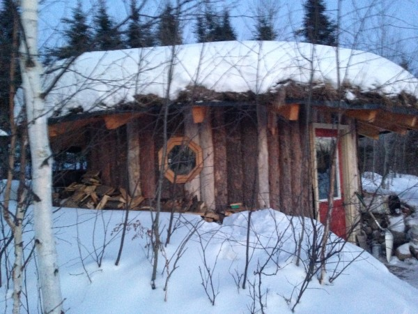 Went over to my friend George's property to take a sauna at -15.  This is a little out building he built to retreat to when he needs a little space.