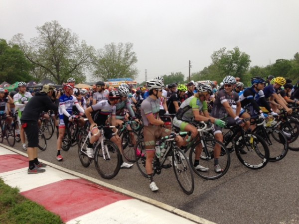 Lots of riders at the start of the race.