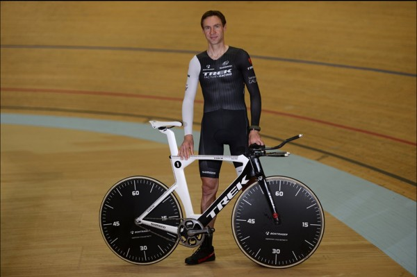 Jen's and his hour record machine.