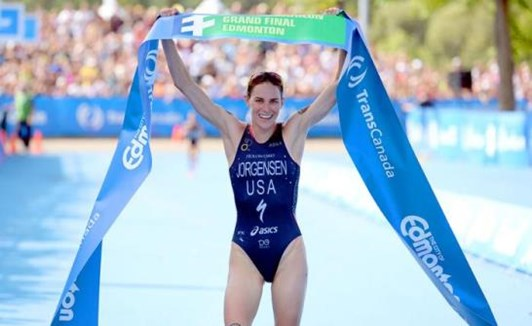 Gwen winning in Edmonton to secure the 2014 ITU World Championship.