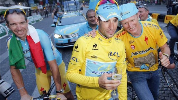 Our current Tour de France champion, with Vino.  A happy couple at the time.