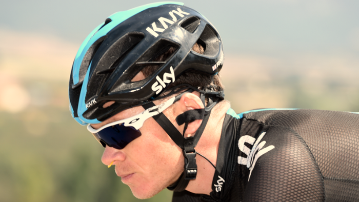 Chris Froome wearing the Turbine nose thingy.