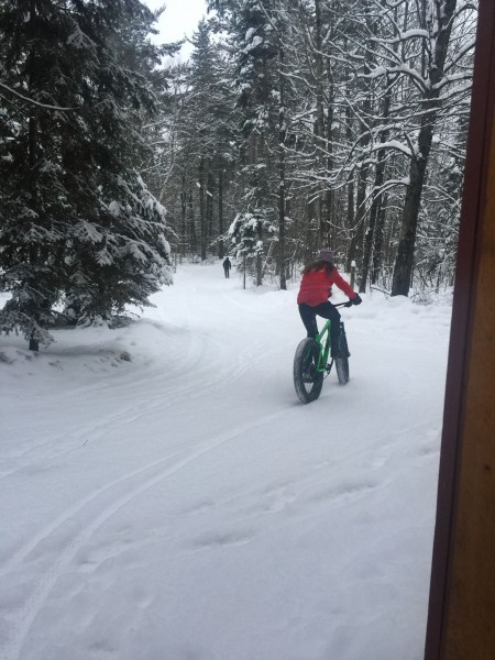 Trudi heading out on her first fatbike experience.