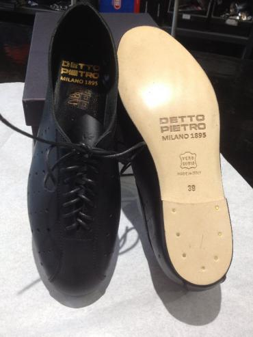 I didn't realize that Detto still made shoes. They look pretty nice by the photo.